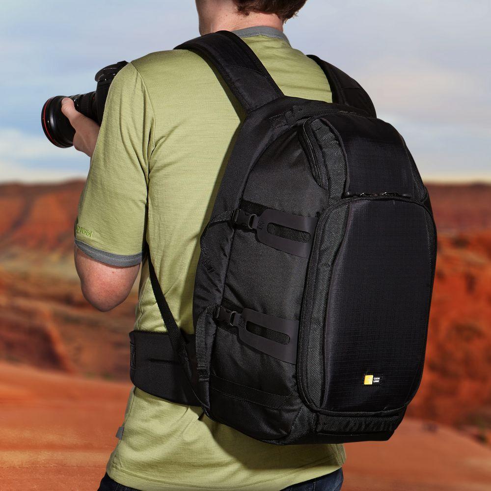 c2461552d0036 Plecak wyposażony jest w rączkę oraz komfortowe, szerokie szelki na  ramiona. Stabilne noszenie zapewnia dodatkowe mocowanie do pasa.